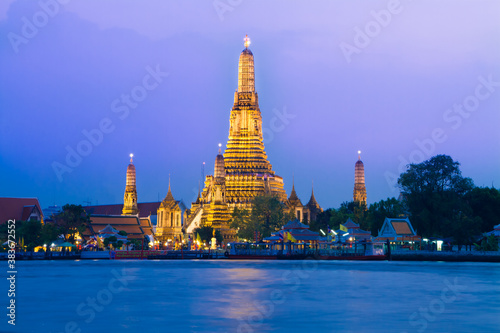 Photo Wat Arun, Bangkok, Thailand.