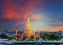 Wat Arun Temple At Sunset In B...