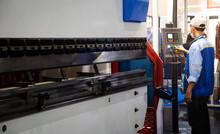 Industrial Professional Operating CNC Synchronize Hydraulic Press Brake Bending Machine