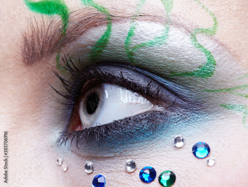Fototapety, obrazy: girl's eye zone bodyart