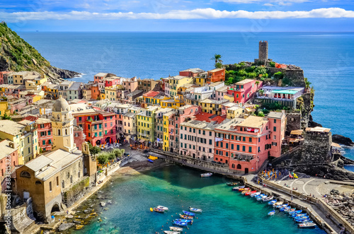 Fototapety, obrazy: Scenic view of ocean and harbor in colorful village Vernazza, Ci