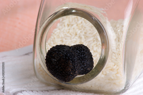 one organic summer truffle to store in rice