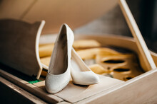 The Bride's Shoes Are On The Piano, The Bride's Wedding Shoes.