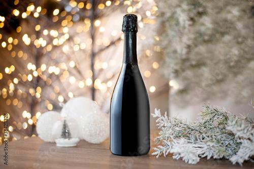 Obraz na plátně bottle of champagne and Christmas decorations
