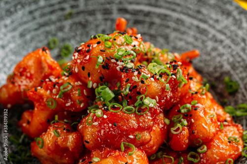 Obraz na plátně Deep fried asian chicken with sesame green onion