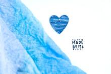 Cuore Blu. Legno Colorato A Mano