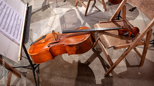 Canvas Print the musical instruments of the symphony orchestra rest before the concert