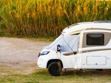 Caravan With Thermal Screen Bl...