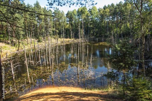 Fotografía ponds at the site of the flooded iron mine Pasieki