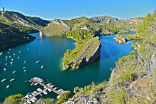 Lago De Aguas Turquesas
