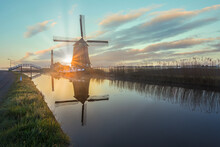 The De Kaagmolen Windmill In F...