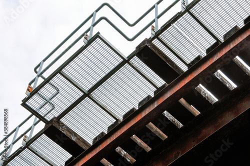 Fotografie, Obraz Safety platform on a railway trestle bridge.