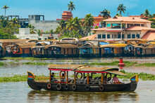 Tour Boat And Houseboats For The Popular Backwater Cruises, A Major Tourist Attraction, Alappuzha (Alleppey), Kerala, India