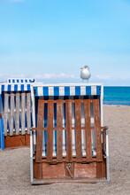 Möwe Auf Strandkorb