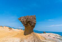 Taiwan's Yehliu Geopark, Beautiful Fantastic Ancient Rock Field In Coastline