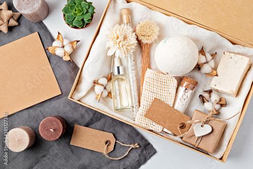 Obraz Preparing self care package, seasonal gift box with plastic free zero waste cosmetics products - fototapety do salonu