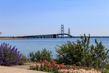 Mackinac Bridge 8,000m Long Spans The Straights Of Mackinac Connecting The Upper And Lower Peninsulas Of The U.S. State Of Michigan. It Is Also Known As Big Mac And Mighty Mac .Completed In 1957