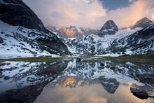 Lake Seebensee Near Zugspitze ...