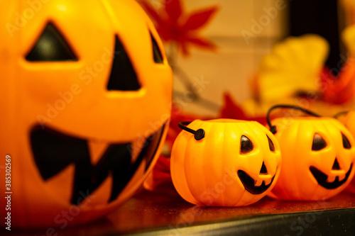 Fotomural ハロウィーン 可愛いかぼちゃの置きもの / おもちゃ / 10月のイベント / Pumpkin with Halloween objects