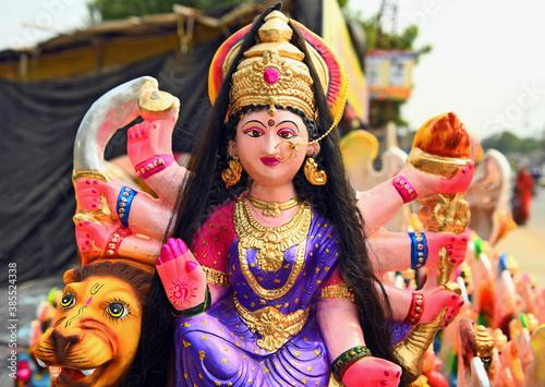 Cuadros en Lienzo Idol of Hindu Goddess Durga sitting on Lion