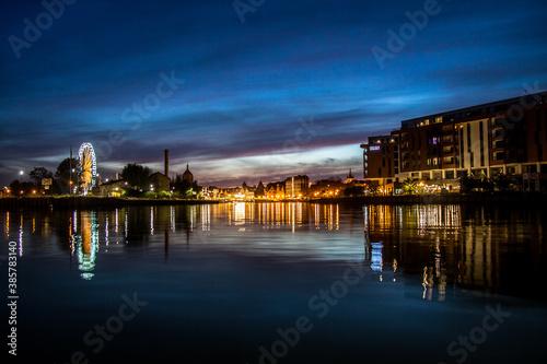Fototapeta zdjęcie starego miasta w Gdańsku nocą obraz