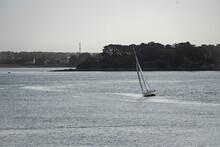 Voilier Dans La Rade De Lorient
