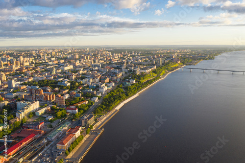 Foto Perm, a large city of the Urals, the capital of the Perm Territory from a bird's eye view, drone photography