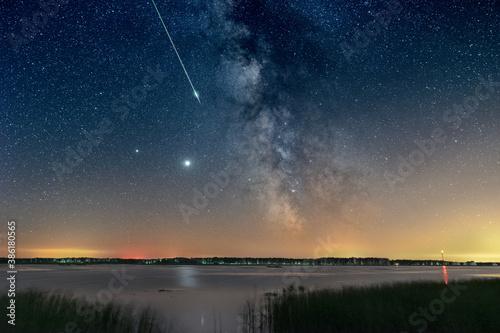 Fotografia Milky Way with Perseid meteor