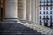 Marches Et Colonnes Du Panthéon