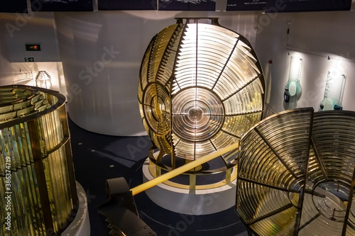 Photo Double flash 1st order lighthouse lens resembling C-3PO robot and other nautical