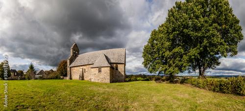 Photo Rilhac Treignac (Corrèze, France) - Vue panoramique de l'église Saint Antoine so