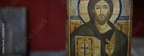 Canvas-taulu Kalambaka, Greece - September 17, 2019: Orthodox icons in a church shop, church
