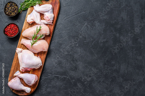 Papel de parede Fresh raw chicken meat and chicken parts