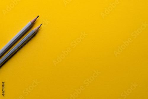 pencil on yellow paper Fototapet