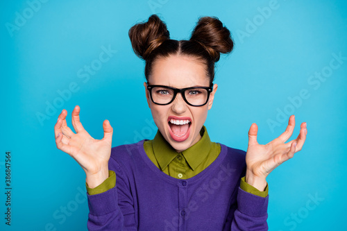 Cuadros en Lienzo Close-up portrait of her she nice attractive angry mad fury schoolgirl scaring a