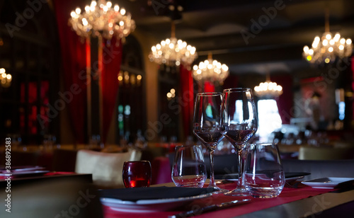 Leinwand Poster Served tables in banquet room of luxurious restaurant