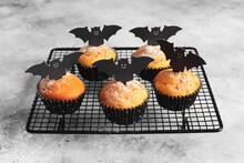 Halloween Pumpkin Muffins In B...