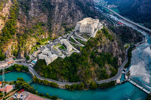 Forte di Bard Aosta Italy Avengers Age of Ultron Castle фототапет