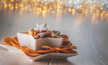 Weihnachtliche Kekse Mit Bokeh Lichter Im Hintergrund