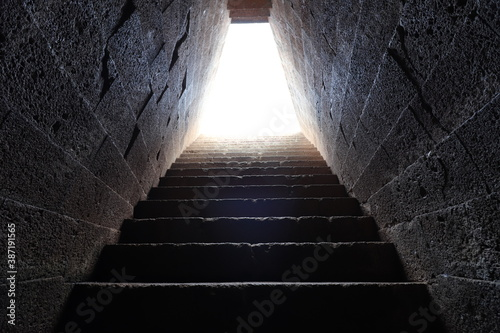 Stairs to the holy well of Santa Cristina Fototapet