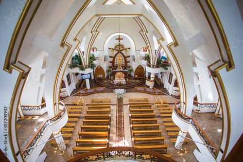 Fototapeta pusty kościół obraz
