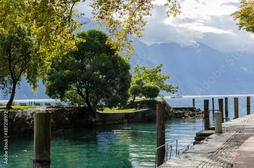 Jezioro Garda - Włochy  - fototapety na wymiar