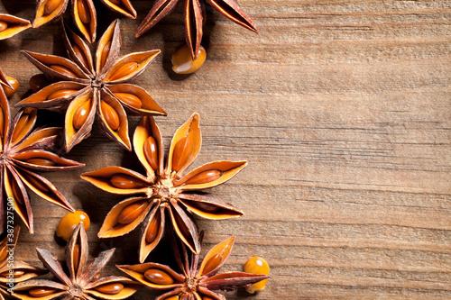 Fototapeta Anise stars on old table obraz
