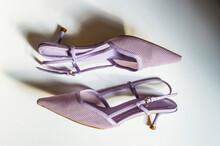 Zapatos De Tacón Con Tira Tra...