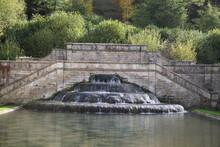 Fontaine De L'Abbaye Cistercienne De Fontenay En Bourgogne