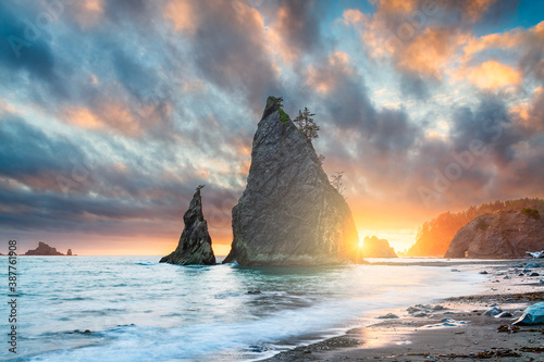 Photo Olympic National Park, Washington, USA at Rialto Beach.