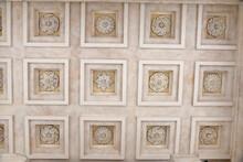 Plafond à Caissons Du Temple ...
