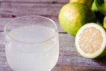 Un Vaso De Jugo De Limón