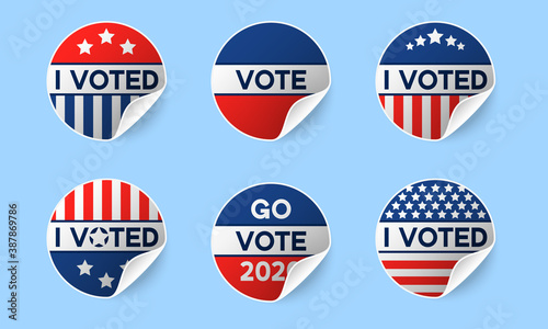 Obraz Usa 2020 voting icons. Set of circle realistic stickers with I voted quote in red and blue, stars and stripes. Round american elections labels with rolled corner and shadows. Concept of responsibility - fototapety do salonu