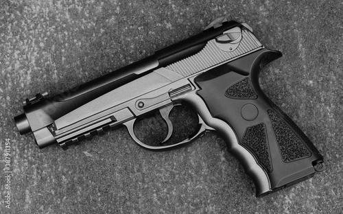 Tela Black gun